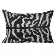 MyWorldBazaar Ikat zebra sammet kuddfodral - 40x60